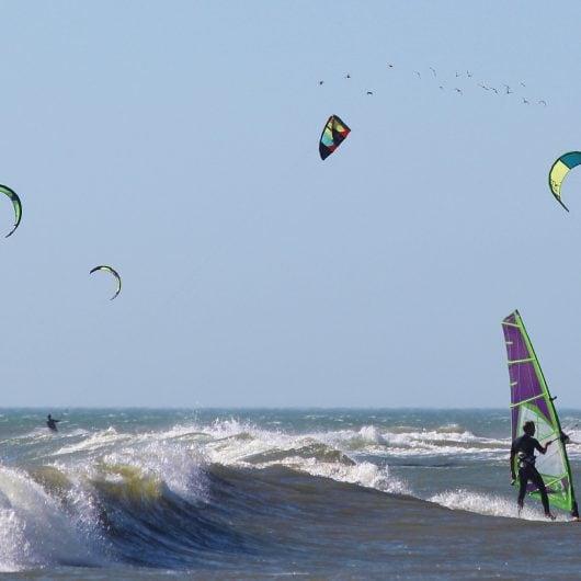 surf-587295_1920
